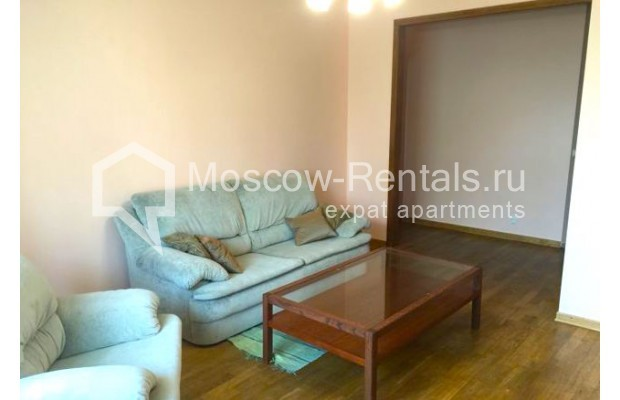 """Photo #2 3-room (2 BR) apartment for <a href=""""http://moscow-rentals.ru/en/articles/long-term-rent"""" target=""""_blank"""">a long-term</a> rent  in Russia, Moscow, Malaya Bronnaya str., 13"""