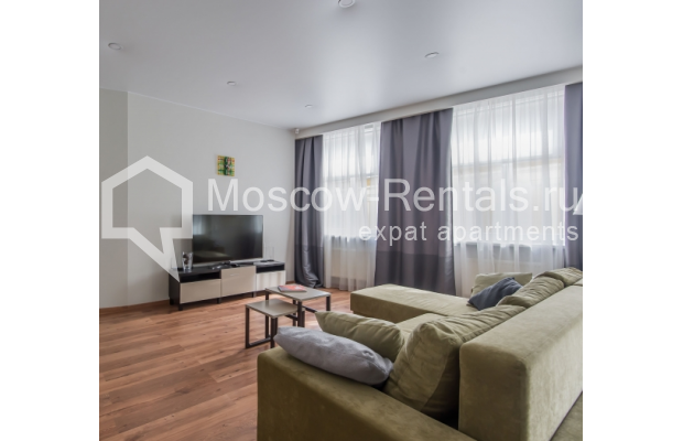 "Photo #3 3-room (2 BR) apartment <u>for a long-term rent</u> (<a href=""http://moscow-rentals.ru/en/articles/long-term-rent"" target=""_blank"">FAQ</a>)    in Russia, Moscow, Troitskaya str., 8"