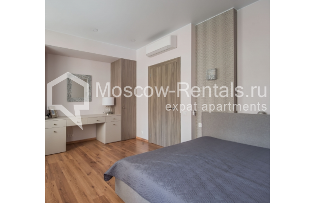 "Photo #10 3-room (2 BR) apartment <u>for a long-term rent</u> (<a href=""http://moscow-rentals.ru/en/articles/long-term-rent"" target=""_blank"">FAQ</a>)    in Russia, Moscow, Troitskaya str., 8"
