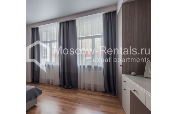 "Photo #11 3-room (2 BR) apartment <u>for a long-term rent</u> (<a href=""http://moscow-rentals.ru/en/articles/long-term-rent"" target=""_blank"">FAQ</a>)    in Russia, Moscow, Troitskaya str., 8"