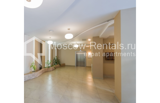 "Photo #17 3-room (2 BR) apartment <u>for a long-term rent</u> (<a href=""http://moscow-rentals.ru/en/articles/long-term-rent"" target=""_blank"">FAQ</a>)    in Russia, Moscow, Troitskaya str., 8"