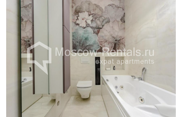 "Photo #7 3-room (2 BR) apartment for <a href=""http://moscow-rentals.ru/en/articles/long-term-rent"" target=""_blank"">a long-term</a> rent  in Russia, Moscow, Efremova str, 10к1"