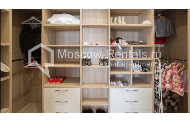 "Photo #12 4-room (3 BR) apartment for <a href=""http://moscow-rentals.ru/en/articles/long-term-rent"" target=""_blank"">a long-term</a> rent  in Russia, Moscow, Daev lane, 33"
