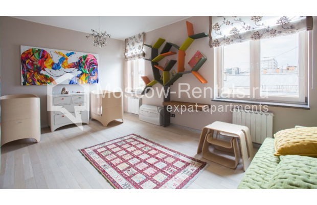 "Photo #11 4-room (3 BR) apartment for <a href=""http://moscow-rentals.ru/en/articles/long-term-rent"" target=""_blank"">a long-term</a> rent  in Russia, Moscow, Daev lane, 33"