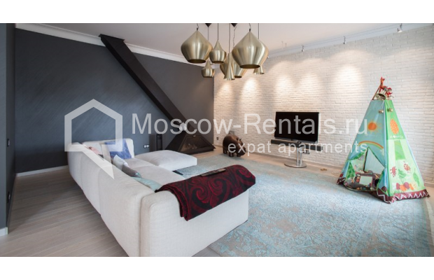 "Photo #7 4-room (3 BR) apartment for <a href=""http://moscow-rentals.ru/en/articles/long-term-rent"" target=""_blank"">a long-term</a> rent  in Russia, Moscow, Daev lane, 33"