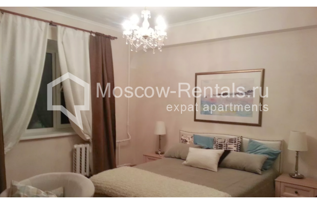 "Photo #4 3-room (2 BR) apartment for <a href=""http://moscow-rentals.ru/en/articles/long-term-rent"" target=""_blank"">a long-term</a> rent  in Russia, Moscow, Vorotnikovskyi lane, 5/9"