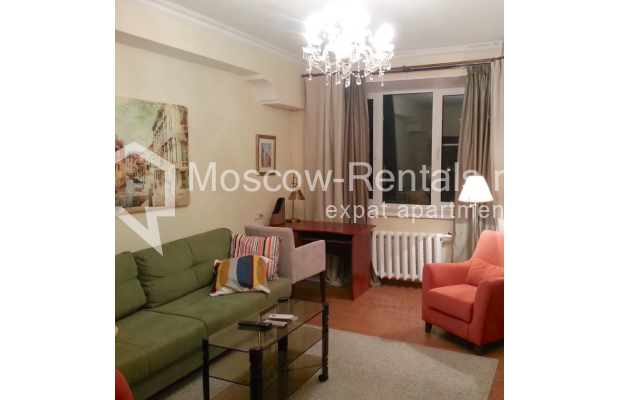 "Photo #1 3-room (2 BR) apartment for <a href=""http://moscow-rentals.ru/en/articles/long-term-rent"" target=""_blank"">a long-term</a> rent  in Russia, Moscow, Vorotnikovskyi lane, 5/9"
