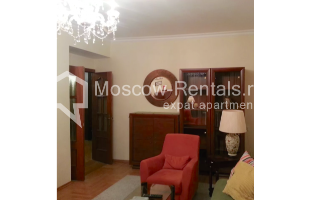 "Photo #3 3-room (2 BR) apartment for <a href=""http://moscow-rentals.ru/en/articles/long-term-rent"" target=""_blank"">a long-term</a> rent  in Russia, Moscow, Vorotnikovskyi lane, 5/9"