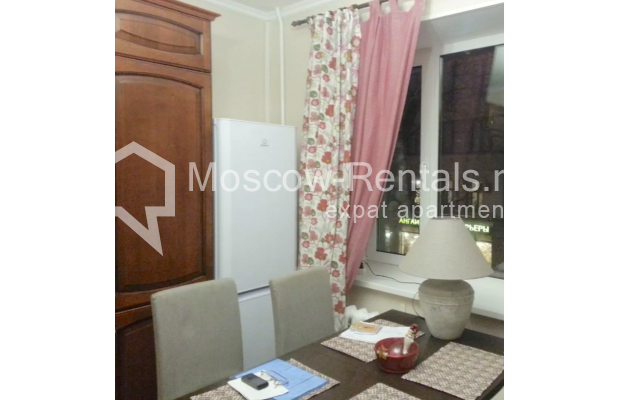 "Photo #8 3-room (2 BR) apartment for <a href=""http://moscow-rentals.ru/en/articles/long-term-rent"" target=""_blank"">a long-term</a> rent  in Russia, Moscow, Vorotnikovskyi lane, 5/9"