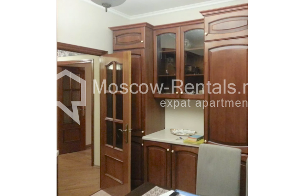 "Photo #9 3-room (2 BR) apartment for <a href=""http://moscow-rentals.ru/en/articles/long-term-rent"" target=""_blank"">a long-term</a> rent  in Russia, Moscow, Vorotnikovskyi lane, 5/9"
