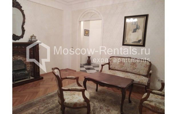 """Photo #4 3-room (2 BR) apartment for <a href=""""http://moscow-rentals.ru/en/articles/long-term-rent"""" target=""""_blank"""">a long-term</a> rent  in Russia, Moscow, Bolshaya Dmitrovka str, 21/7С2"""
