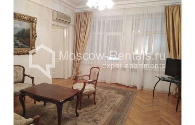 "Photo #8 3-room (2 BR) apartment for <a href=""http://moscow-rentals.ru/en/articles/long-term-rent"" target=""_blank"">a long-term</a> rent  in Russia, Moscow, Bolshaya Dmitrovka str, 21/7С2"