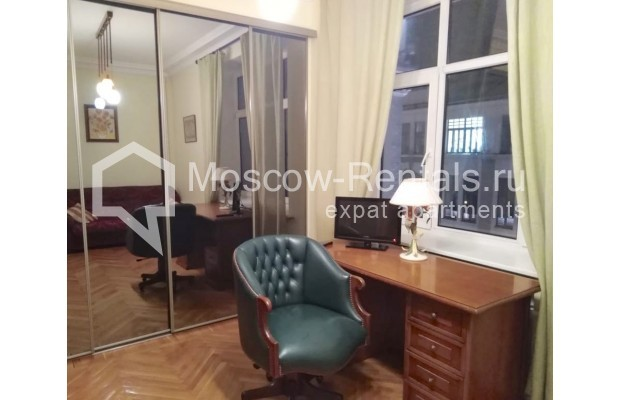 "Photo #17 3-room (2 BR) apartment for <a href=""http://moscow-rentals.ru/en/articles/long-term-rent"" target=""_blank"">a long-term</a> rent  in Russia, Moscow, Bolshaya Dmitrovka str, 21/7С2"