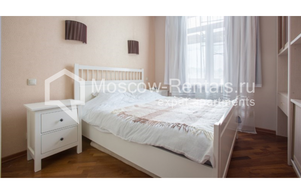 "Photo #4 2-room (1 BR) apartment <u>for a long-term rent</u> (<a href=""http://moscow-rentals.ru/en/articles/long-term-rent"" target=""_blank"">FAQ</a>)    in Russia, Moscow, Karetnyi Ryad str, 5/10 С 2"