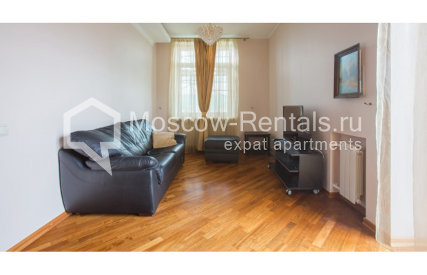 "Photo #1 2-room (1 BR) apartment <u>for a long-term rent</u> (<a href=""http://moscow-rentals.ru/en/articles/long-term-rent"" target=""_blank"">FAQ</a>)    in Russia, Moscow, Karetnyi Ryad str, 5/10 С 2"