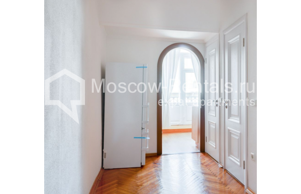 "Photo #5 2-room (1 BR) apartment for <a href=""http://moscow-rentals.ru/en/articles/long-term-rent"" target=""_blank"">a long-term</a> rent  in Russia, Moscow, Brusov lane, 8-10С1"