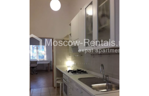 """Photo #4 2-room (1 BR) apartment <u>for a long-term rent</u> (<a href=""""http://moscow-rentals.ru/en/articles/long-term-rent"""" target=""""_blank"""">FAQ</a>)    in Russia, Moscow, Trekhprudnyi lane, 8"""