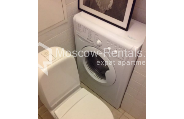 """Photo #7 2-room (1 BR) apartment <u>for a long-term rent</u> (<a href=""""http://moscow-rentals.ru/en/articles/long-term-rent"""" target=""""_blank"""">FAQ</a>)    in Russia, Moscow, Trekhprudnyi lane, 8"""