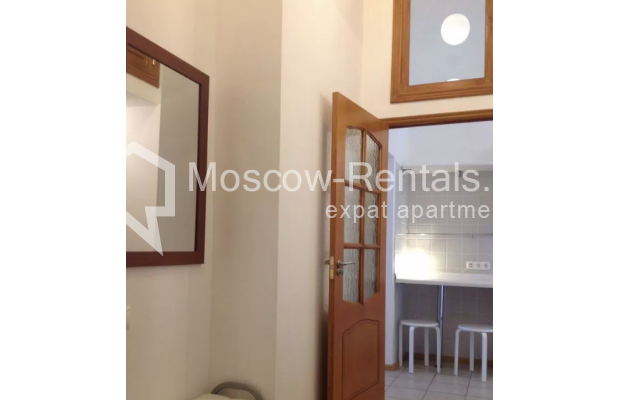 """Photo #8 2-room (1 BR) apartment <u>for a long-term rent</u> (<a href=""""http://moscow-rentals.ru/en/articles/long-term-rent"""" target=""""_blank"""">FAQ</a>)    in Russia, Moscow, Trekhprudnyi lane, 8"""