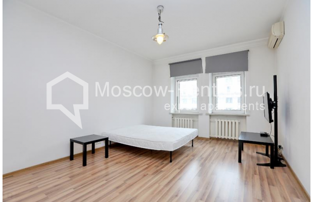 "Photo #3 2-room (1 BR) apartment for <a href=""http://moscow-rentals.ru/en/articles/long-term-rent"" target=""_blank"">a long-term</a> rent  in Russia, Moscow, Tverskaya str, 6С1"