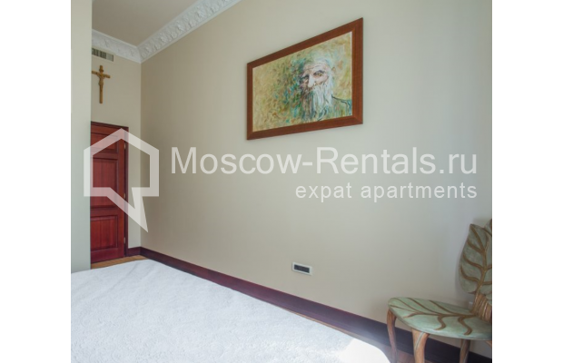 "Photo #10 5-room (4 BR) apartment <u>for a long-term rent</u> (<a href=""http://moscow-rentals.ru/en/articles/long-term-rent"" target=""_blank"">FAQ</a>)    in Russia, Moscow, Makarenko str, 2/21с2"