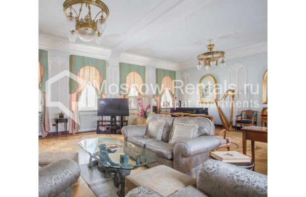 "Photo #5 5-room (4 BR) apartment <u>for a long-term rent</u> (<a href=""http://moscow-rentals.ru/en/articles/long-term-rent"" target=""_blank"">FAQ</a>)    in Russia, Moscow, Makarenko str, 2/21с2"