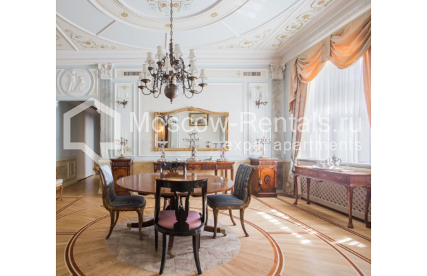 "Photo #1 5-room (4 BR) apartment <u>for a long-term rent</u> (<a href=""http://moscow-rentals.ru/en/articles/long-term-rent"" target=""_blank"">FAQ</a>)    in Russia, Moscow, Makarenko str, 2/21с2"