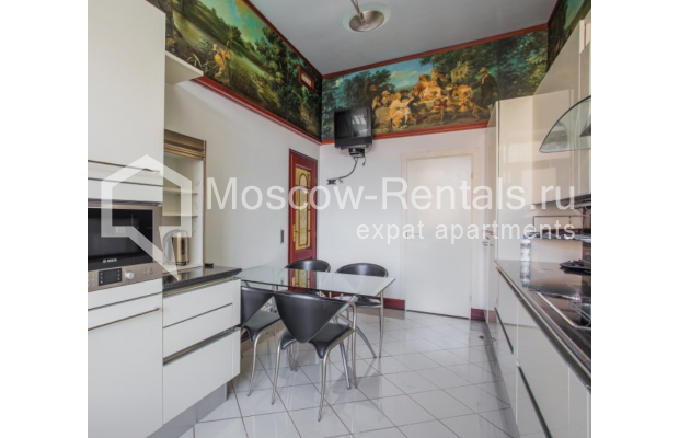 "Photo #14 5-room (4 BR) apartment <u>for a long-term rent</u> (<a href=""http://moscow-rentals.ru/en/articles/long-term-rent"" target=""_blank"">FAQ</a>)    in Russia, Moscow, Makarenko str, 2/21с2"