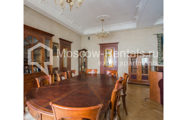 """Photo #2 4-room (3 BR) apartment <u>for a long-term rent</u> (<a href=""""http://moscow-rentals.ru/en/articles/long-term-rent"""" target=""""_blank"""">FAQ</a>)    in Russia, Moscow, Pokrovka str, 42 с6"""