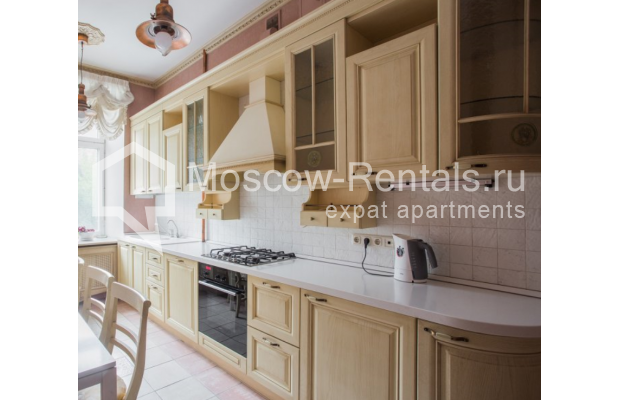 """Photo #11 4-room (3 BR) apartment <u>for a long-term rent</u> (<a href=""""http://moscow-rentals.ru/en/articles/long-term-rent"""" target=""""_blank"""">FAQ</a>)    in Russia, Moscow, Pokrovka str, 42 с6"""