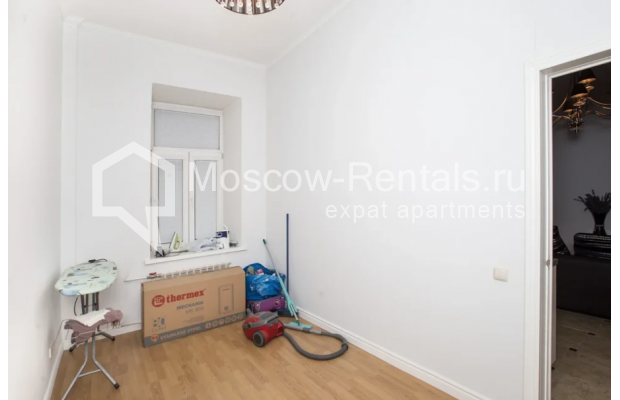 """Photo #8 4-room (3 BR) apartment for <a href=""""http://moscow-rentals.ru/en/articles/long-term-rent"""" target=""""_blank"""">a long-term</a> rent  in Russia, Moscow, Tverskaya str., 12С7"""