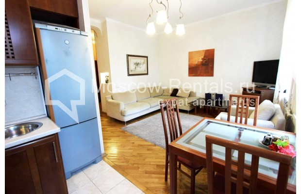 """Photo #2 4-room (3 BR) apartment for <a href=""""http://moscow-rentals.ru/en/articles/long-term-rent"""" target=""""_blank"""">a long-term</a> rent  in Russia, Moscow, Oruzheinyi lane, 13С2"""