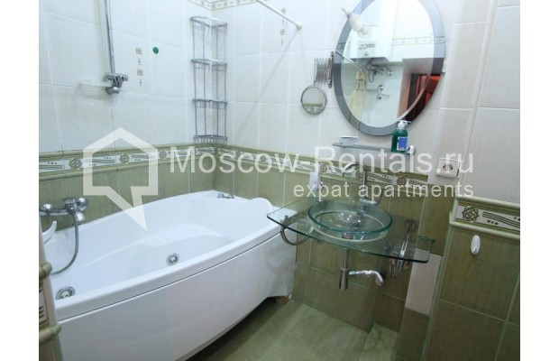 """Photo #6 4-room (3 BR) apartment for <a href=""""http://moscow-rentals.ru/en/articles/long-term-rent"""" target=""""_blank"""">a long-term</a> rent  in Russia, Moscow, Oruzheinyi lane, 13С2"""