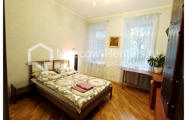 """Photo #4 4-room (3 BR) apartment for <a href=""""http://moscow-rentals.ru/en/articles/long-term-rent"""" target=""""_blank"""">a long-term</a> rent  in Russia, Moscow, Oruzheinyi lane, 13С2"""