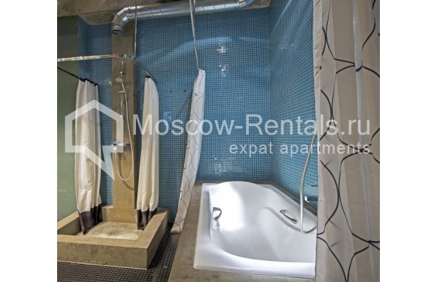"Photo #20 4-room (3 BR) apartment for <a href=""http://moscow-rentals.ru/en/articles/long-term-rent"" target=""_blank"">a long-term</a> rent  in Russia, Moscow, Shabolovka str, 23к/5"