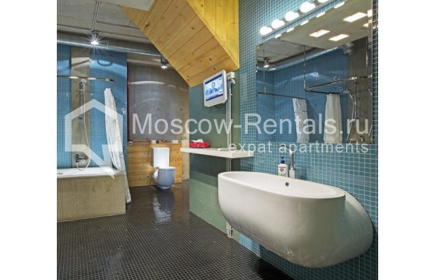 "Photo #19 4-room (3 BR) apartment for <a href=""http://moscow-rentals.ru/en/articles/long-term-rent"" target=""_blank"">a long-term</a> rent  in Russia, Moscow, Shabolovka str, 23к/5"