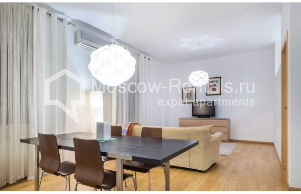 "Photo #3 2-room (1 BR) apartment for <a href=""http://moscow-rentals.ru/en/articles/long-term-rent"" target=""_blank"">a long-term</a> rent  in Russia, Moscow, Blagoveshenskyi lane, 5"