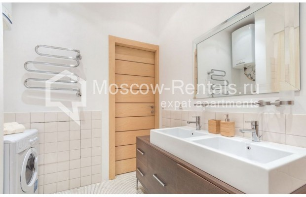 "Photo #16 2-room (1 BR) apartment for <a href=""http://moscow-rentals.ru/en/articles/long-term-rent"" target=""_blank"">a long-term</a> rent  in Russia, Moscow, Blagoveshenskyi lane, 5"