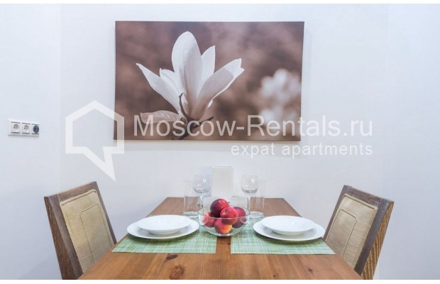 "Photo #13 2-room (1 BR) apartment for <a href=""http://moscow-rentals.ru/en/articles/long-term-rent"" target=""_blank"">a long-term</a> rent  in Russia, Moscow, Blagoveshenskyi lane, 5"
