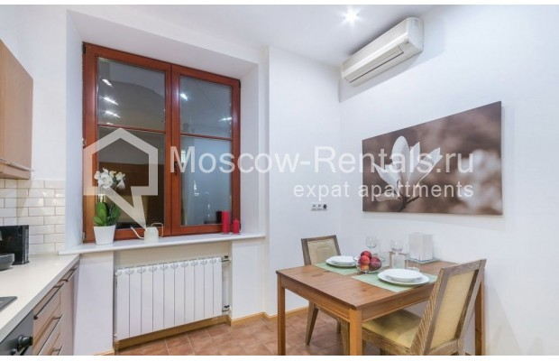 "Photo #12 2-room (1 BR) apartment for <a href=""http://moscow-rentals.ru/en/articles/long-term-rent"" target=""_blank"">a long-term</a> rent  in Russia, Moscow, Blagoveshenskyi lane, 5"