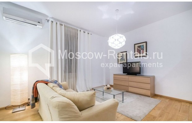 "Photo #2 2-room (1 BR) apartment for <a href=""http://moscow-rentals.ru/en/articles/long-term-rent"" target=""_blank"">a long-term</a> rent  in Russia, Moscow, Blagoveshenskyi lane, 5"