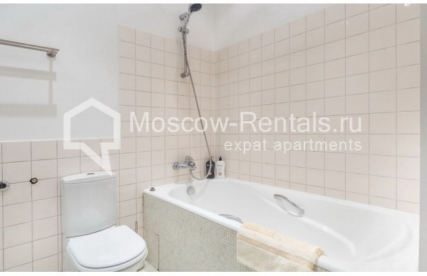 "Photo #17 2-room (1 BR) apartment for <a href=""http://moscow-rentals.ru/en/articles/long-term-rent"" target=""_blank"">a long-term</a> rent  in Russia, Moscow, Blagoveshenskyi lane, 5"