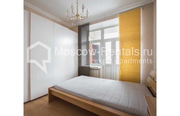"""Photo #7 4-room (3 BR) apartment for <a href=""""http://moscow-rentals.ru/en/articles/long-term-rent"""" target=""""_blank"""">a long-term</a> rent  in Russia, Moscow, New Arbat str, 23"""
