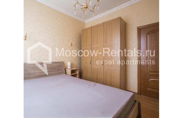 """Photo #6 4-room (3 BR) apartment for <a href=""""http://moscow-rentals.ru/en/articles/long-term-rent"""" target=""""_blank"""">a long-term</a> rent  in Russia, Moscow, New Arbat str, 23"""