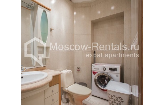 """Photo #10 4-room (3 BR) apartment for <a href=""""http://moscow-rentals.ru/en/articles/long-term-rent"""" target=""""_blank"""">a long-term</a> rent  in Russia, Moscow, New Arbat str, 23"""