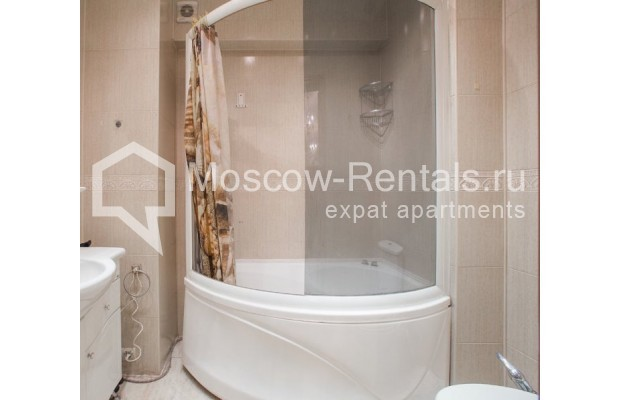 """Photo #11 4-room (3 BR) apartment for <a href=""""http://moscow-rentals.ru/en/articles/long-term-rent"""" target=""""_blank"""">a long-term</a> rent  in Russia, Moscow, New Arbat str, 23"""