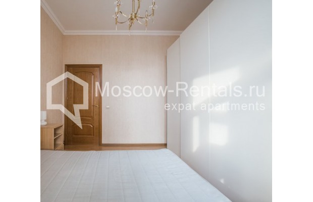 """Photo #8 4-room (3 BR) apartment for <a href=""""http://moscow-rentals.ru/en/articles/long-term-rent"""" target=""""_blank"""">a long-term</a> rent  in Russia, Moscow, New Arbat str, 23"""
