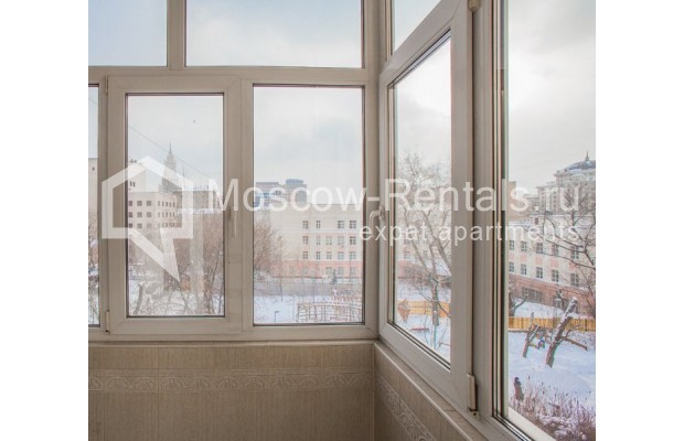 """Photo #12 4-room (3 BR) apartment for <a href=""""http://moscow-rentals.ru/en/articles/long-term-rent"""" target=""""_blank"""">a long-term</a> rent  in Russia, Moscow, New Arbat str, 23"""