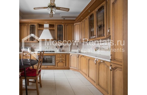 """Photo #2 4-room (3 BR) apartment for <a href=""""http://moscow-rentals.ru/en/articles/long-term-rent"""" target=""""_blank"""">a long-term</a> rent  in Russia, Moscow, New Arbat str, 23"""