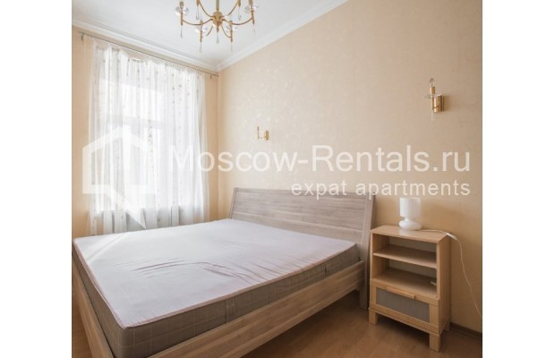 """Photo #5 4-room (3 BR) apartment for <a href=""""http://moscow-rentals.ru/en/articles/long-term-rent"""" target=""""_blank"""">a long-term</a> rent  in Russia, Moscow, New Arbat str, 23"""